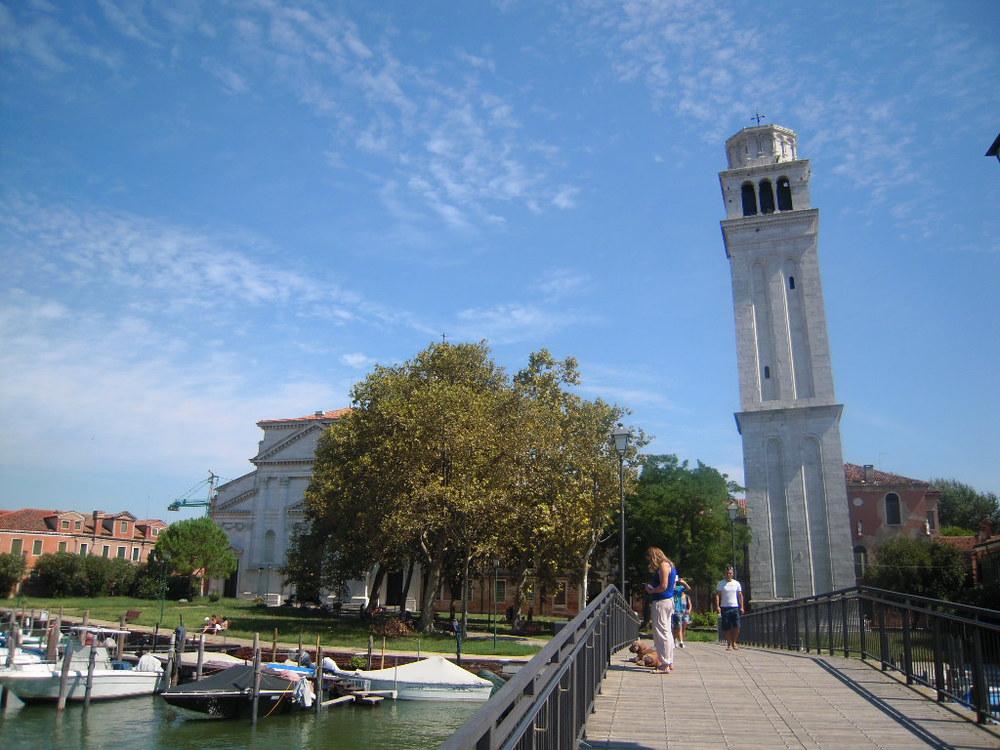 S. Pietro con il campanile cosa vedere sestriere castello