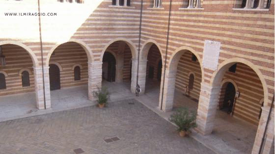 Cortile del Mercato Vecchio