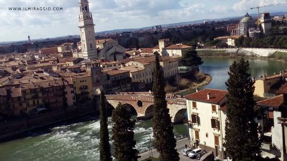 Ponte Pietra visto dal Teatro Romano