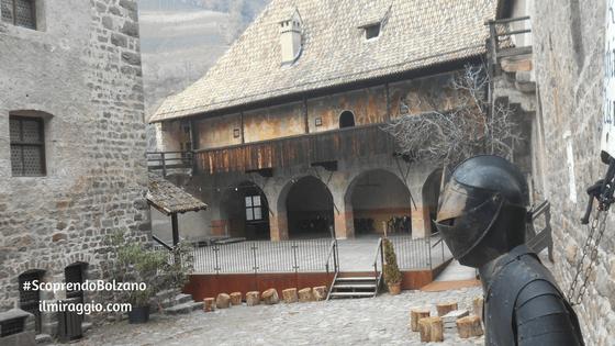 Cortile di Castel Roncolo