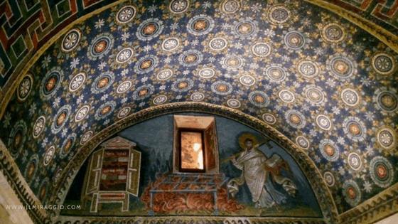 Un particolare del cielo stellato del Mausoleo di Galla Placidia