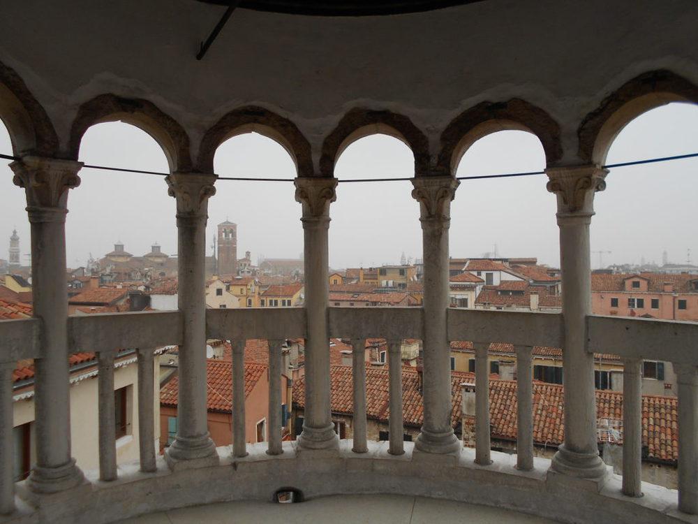 In cima alla Scala Contarini del Bovolo
