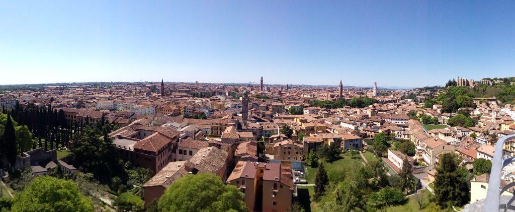 Veduta di Verona dalla terrazza panoramica