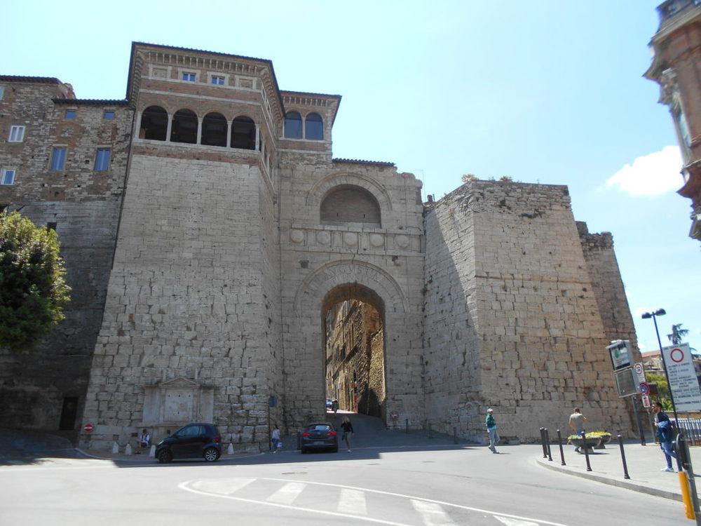 Porta Pesa o Arco dei Tei