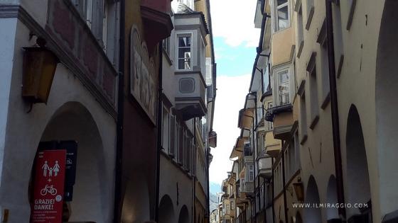 I portici di bolzano da piazza delle Erbe