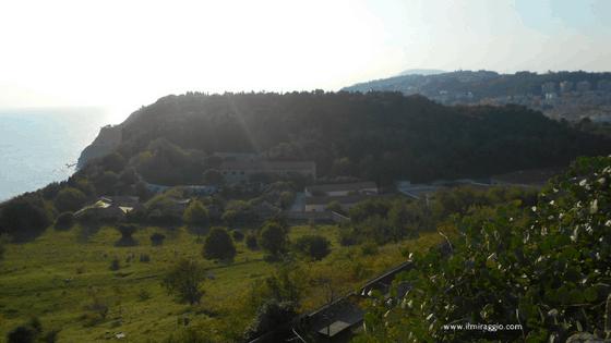 Il cimitero ebraico all'interno del Parco del Cardeto