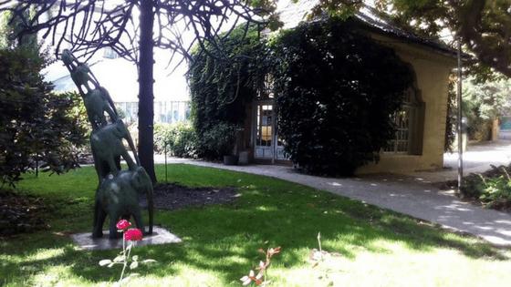 Uno scorcio del giardino del bar Laurin