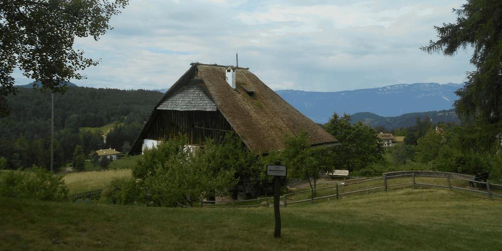 Museo d'Apicoltura Plattnerhof trekking sull'altopiano del renon