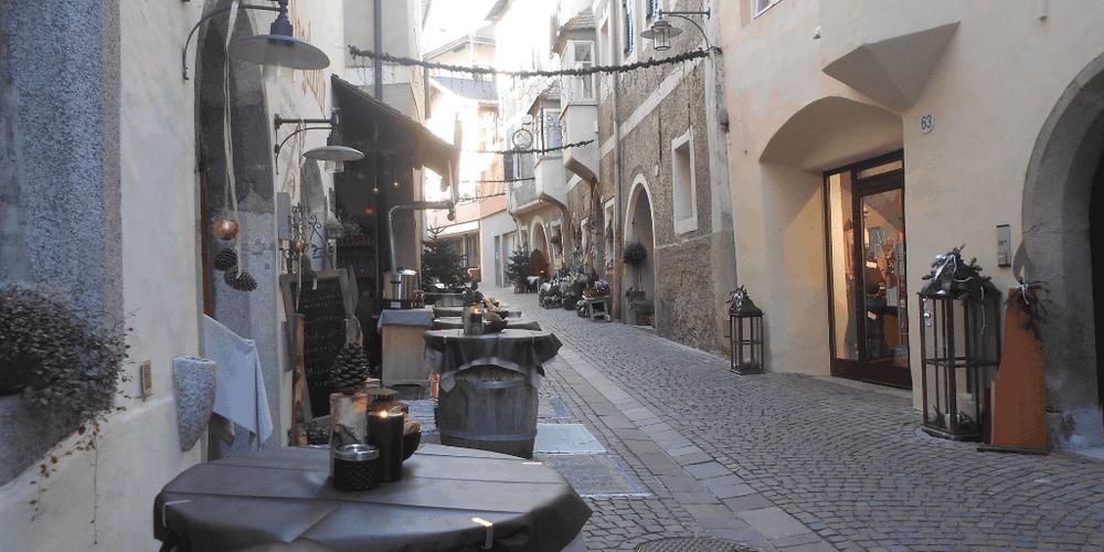 Il centro storico di Chiusa a Natale