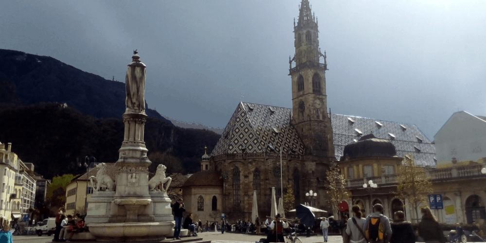 Il Duomo visto da Piazza Walther