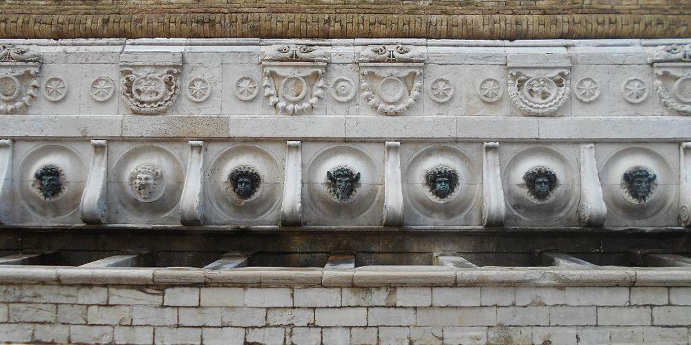 visitare la cisterna di piazza calamo con l'associazione di ancona sotterranea