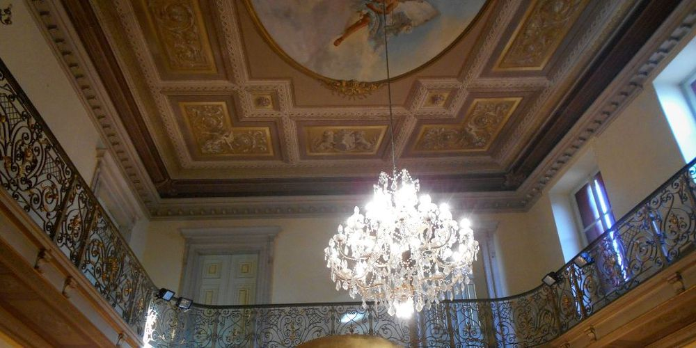 Interno del Palazzo Gresta ad Ala città di velluto
