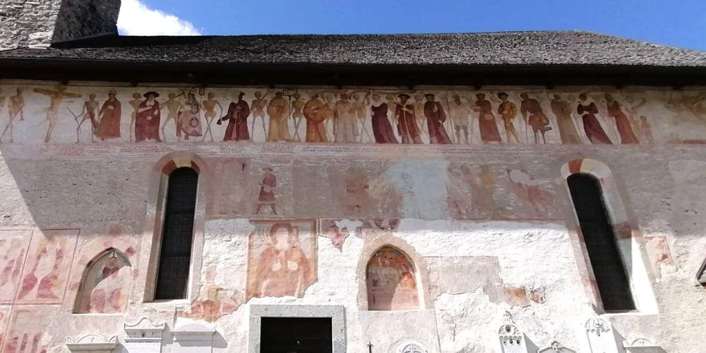 affreschi danza macabra chiesa di san vigilio pinzolo trentino