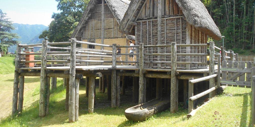 villaggio del museo delle palafitte del lago di ledro